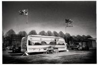Lors d'événements de plusieurs jours, les exposants logent sur place. Le camping fait aussi partie de la fête. Tournai, 2013.